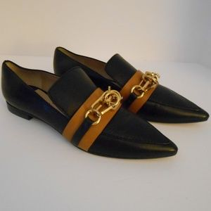 NWT Stuart Weitzman The Connect Point Toe Loafer 6